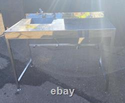 Stainless Steel Catering Table With Sink